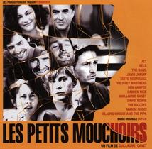 LES PETITS MOUCHOIRS