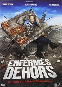 ENFERMÉS DEHORS
