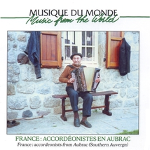 FRANCE: ACCORDEONISTES EN AUBRAC (AUVERGNE)