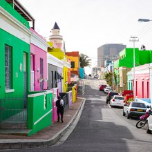 Bo-Kaap, Schotsche Kloof, Cape Town, South Africa, une photo de Devon Janse van Rensburg (via Unsplash)
