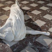 1Aidan Salakhova, Love, 2015, église Saint-Loup, Namur, 2017, courtesy de l'artiste et Wetterling Gallery, Stockholm© Vincent Everarts