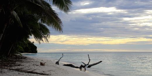 Alofi, Wallis-et-Futuna, une photo d'Anna Vinet (via wikicommons)