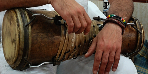 Okónkolo o tambor chico, uno de los tres tambores Batá
