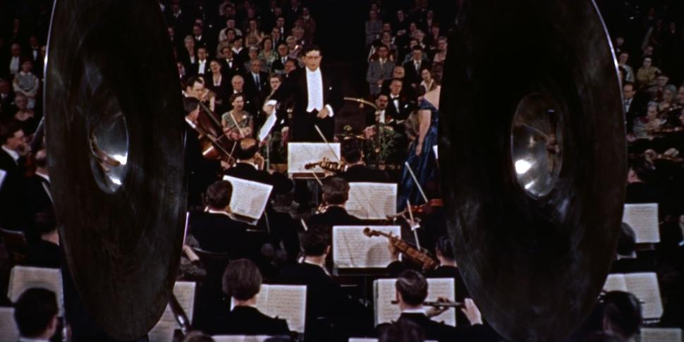 """Bande-annonce du film d'Alfred Hitchcock """"L'Homme qui en savait trop"""" - Bernard Herrmann, chef d'orchestre"""