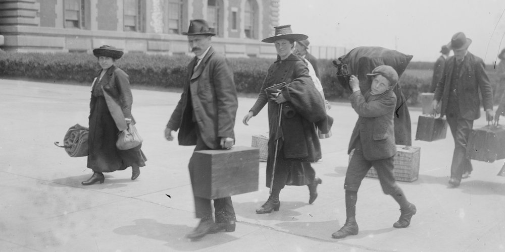 L'arrivée des migrants à Ellis Island aux Etats-Unis en 1915
