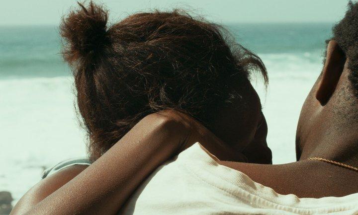 Atlantique de Mati Diop - le baiser.jpg