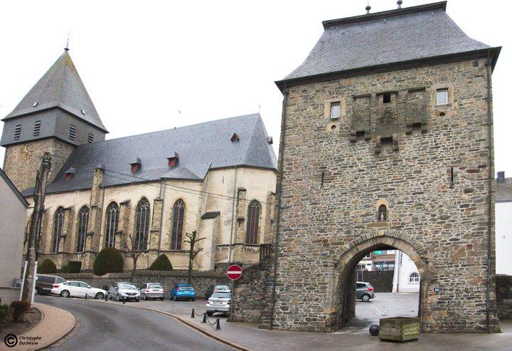 Bastogne - Porte de Trèves et Église Saint-Pierre