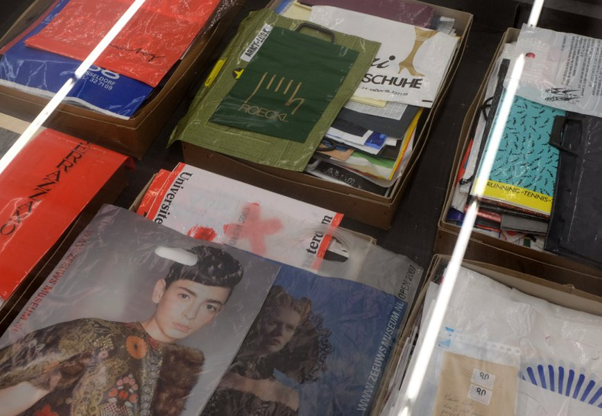 collection de sacs plastiques de bob Lens à la Fondation Verbeke