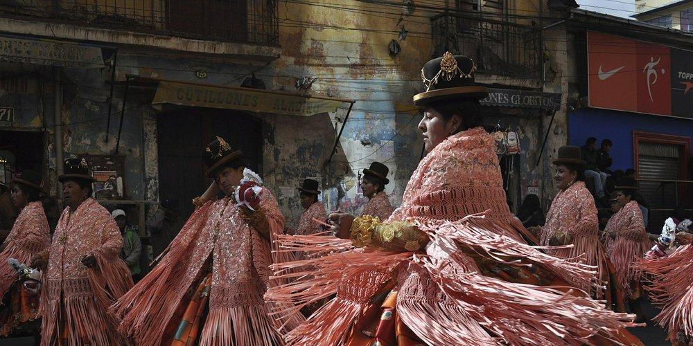 Bolivie: danseurs lors d'un festival à La PAZ