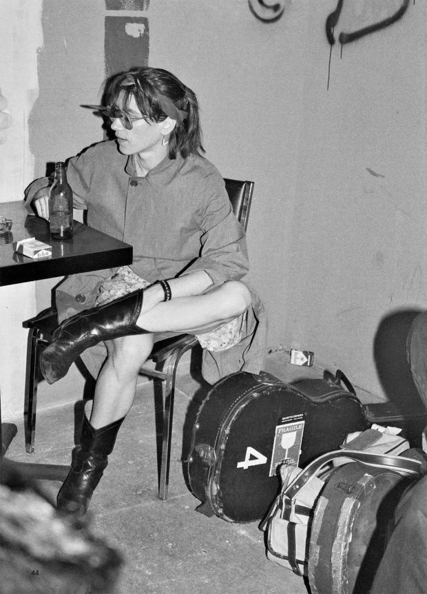 Catherine Ceresole : Kim Gordon backstage