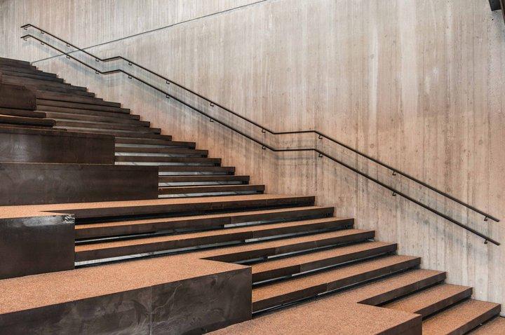 De Krook - escaliers-gradins - (c) De Krook - Michiel Devijver