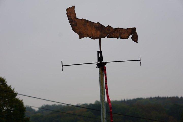 D'où vient le vent ? - expo Marchin - girouette Manu tention 2