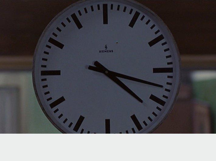 In the Mood for Love - (c) Wong Kar-wai - horloge 3