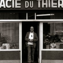 Jacques Pelzer - musicien et pharmacien - photo Igloo Records