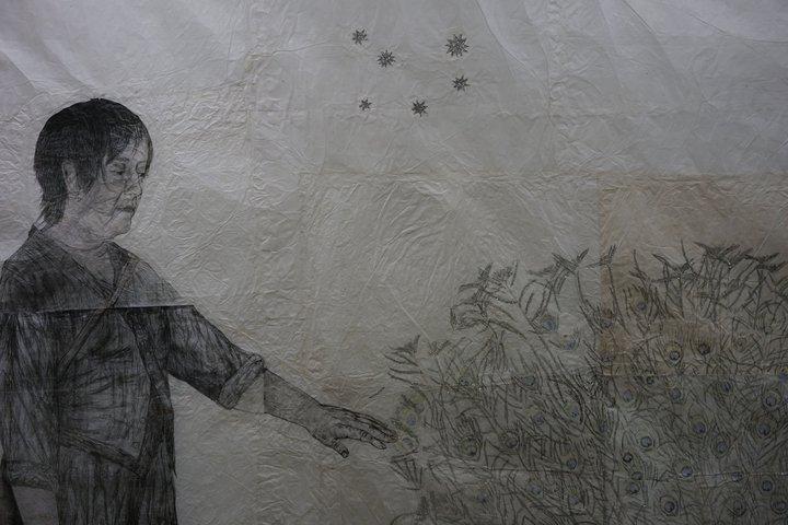 """Kiki Smith : """"Large Birds"""" (détail) - exposition au Centre de la gravure"""