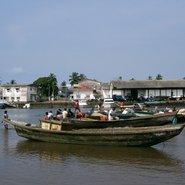 Kribi, port de pêche du Cameroun – une photo de PRA (Wiki Commons)