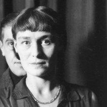 """""""L'Ombre et son ombre"""", Bruxelles, 1932 Georgette et René Magritte - (c) 2019-2020 Charly Herscovici - SABAM"""