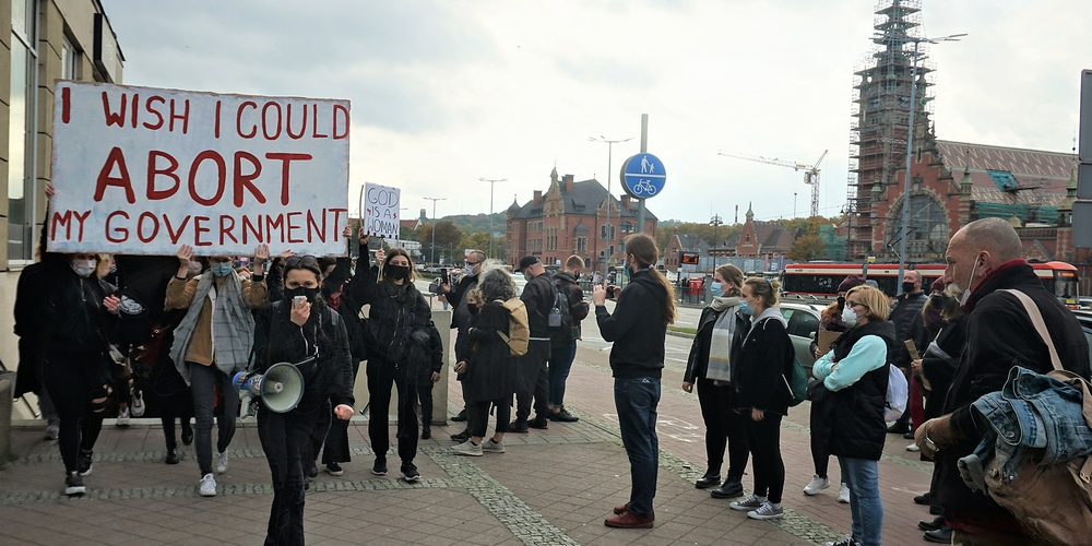Lukasz_Katlewa_Protest_in_Gdansk_against_Poland's_new_abortion_laws_24.10.2020