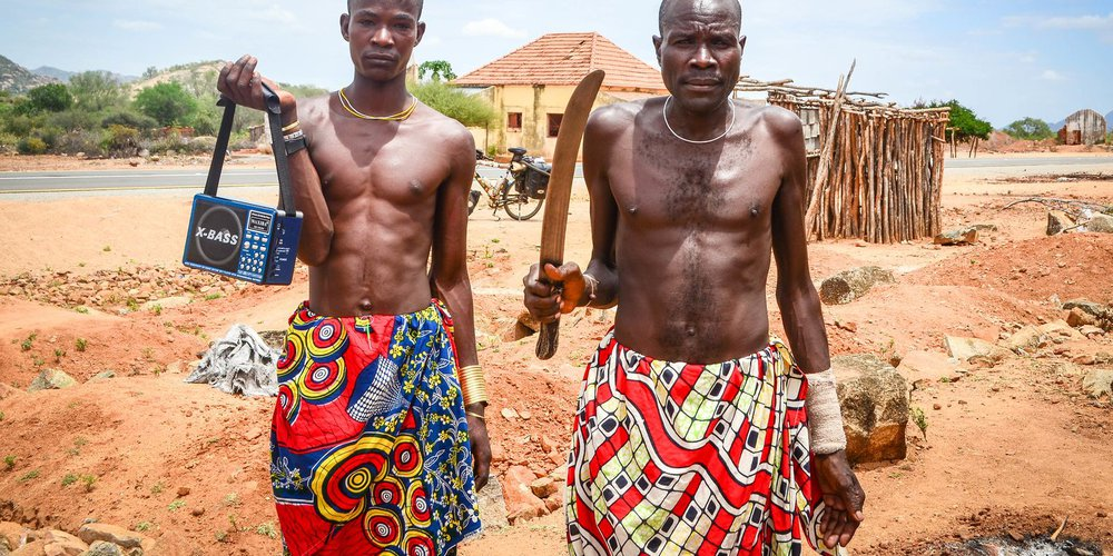 Mucuval people in Munhino-jbdodane.jpg