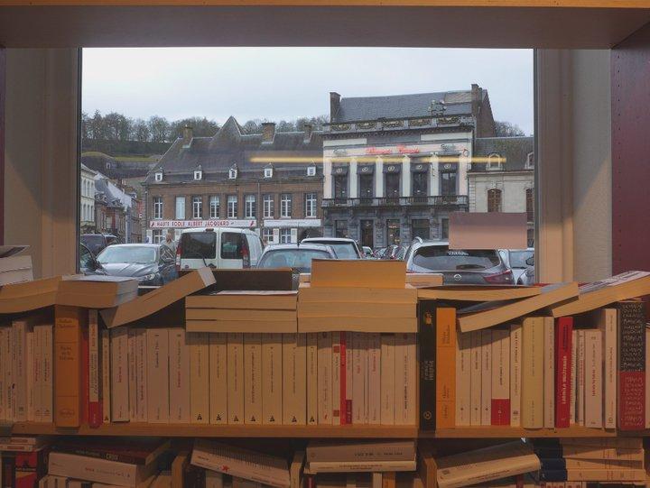 Namur - librairie Point Virgule 521