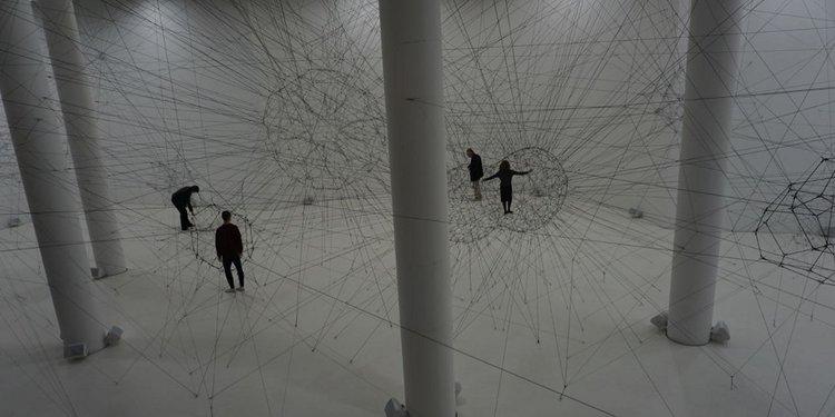 """""""On Air"""", ALGO-R(H)I(Y)THMS - (c) Tomás Saraceno - Palais de Tokyo"""