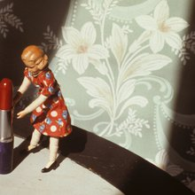 Laurie Simmons - pushing lipstick
