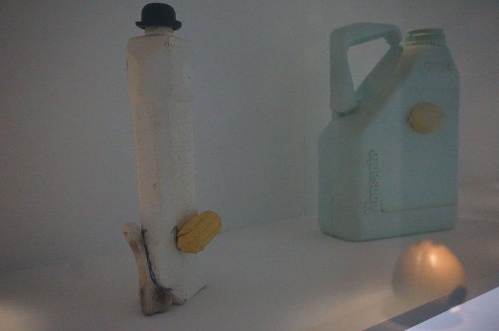 Suite objets plage - (c) François Curlet au MAC's