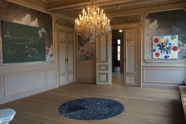 "exposition ""Us"" - Alain Bornain : Grand Salon, tapis, toiles"