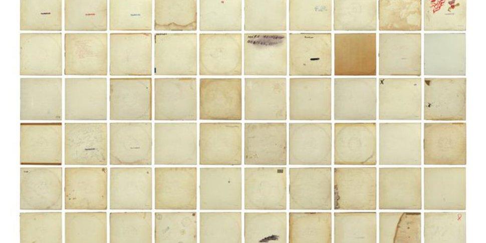 white album mur