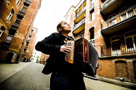 Anne Niepold, accordéon. Muziek•Culture