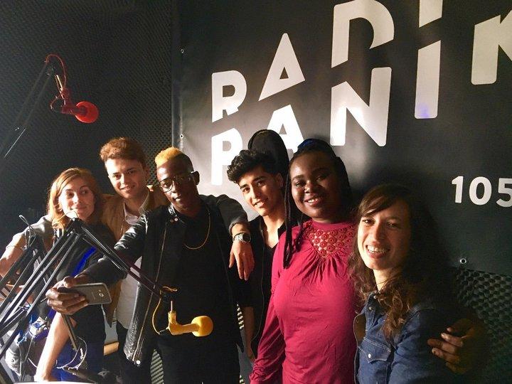 l'équipe de Radio Passe Partout dans les studios de Radio Panik