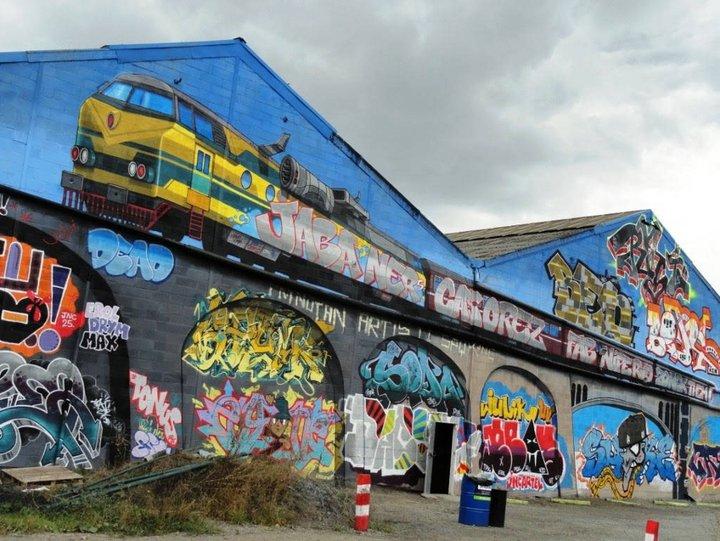 fresque murale de Jabba pour les 25 ans du collectif JNC à Liège