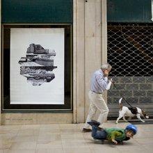 galerie Incise à Charleroi - dessin dans la vitrine : Mira Sanders, 2009