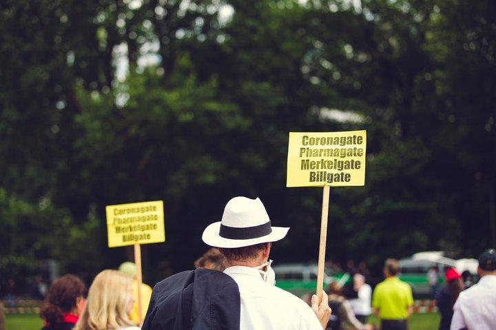 markus-spiske-CORONAGATE - PHARMAGATE - MERKELGATE - BILLGATE. Civil movement-unsplash.jpg