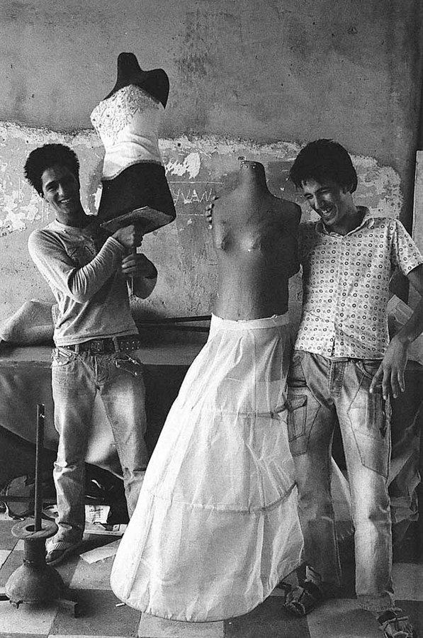 photo Tahmineh Monzavi dans le documentaire Focus Iran - (c) Rencontres de la photographie Arles