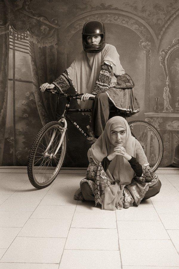 """photo de Shadi Ghadirian dans le documentaire """"Focus Iran"""""""