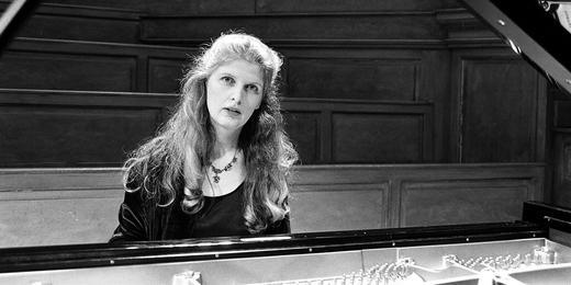 thérèse-malengreau---piano-noir-et-blanc