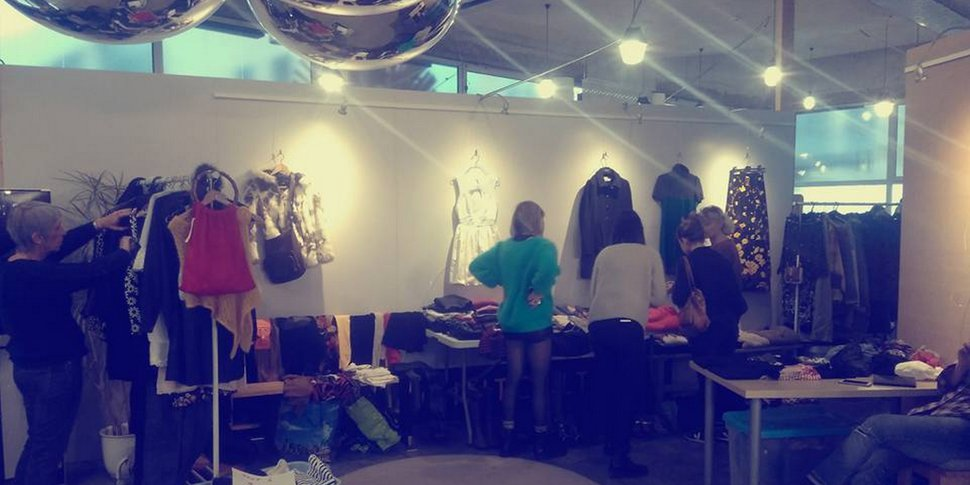 Vide-dressing proposé par Slow Fashion
